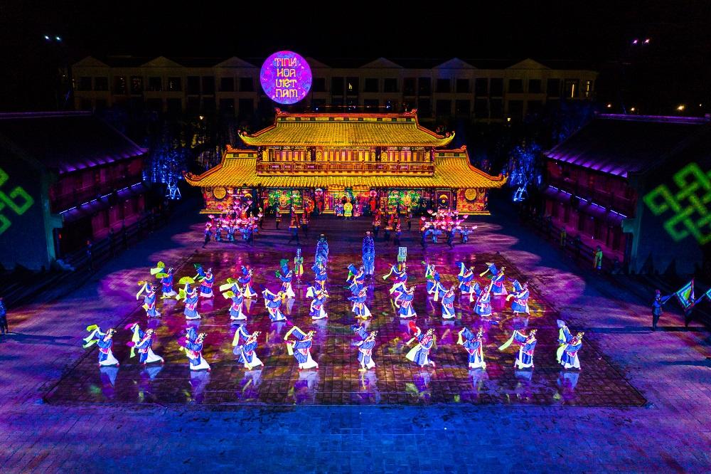 Phú Quốc hiện có nhiều hoạt động văn hoá, lễ hội, biểu diễn nghệ thuật được tổ chức thường xuyên để thu hút du khách